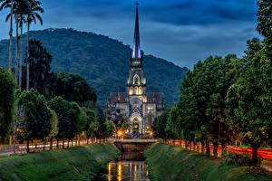 Картинка Бразилия Храмы Церковь Вечер Рио-де-Жанейро Деревья Catedral de Petropolis Города