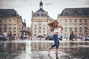 Фотография Франция Улица Лужа Городская площадь Bordeaux, Place de la Bourse город Девушки