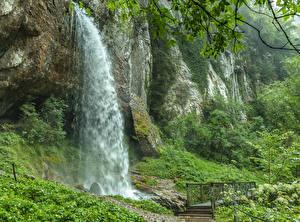 Картинки Франция Водопады Мосты Скала Gorges Kakouetta Sainte-Engrace Природа
