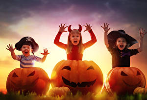 Фото Хеллоуин Тыква Втроем Девочки Мальчики Шляпа Ребёнок