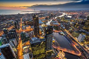 Картинки Здания Небоскребы Вечер Мельбурн Австралия Сверху Eureka Tower Города