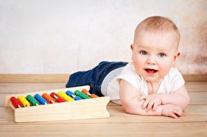 Фотография Грудной ребёнок Смотрит