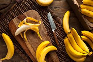 Картинки Нож Бананы Разделочная доска Еда