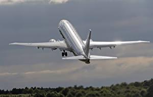 Фотографии Самолеты Пассажирские Самолеты Боинг Взлет Poseidon P-8A Авиация