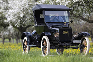 Фотографии Ретро Ford Черный 1923 Ford Model T Машины