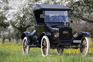 Фотографии Ретро Ford Черный 1923 Ford Model T машина