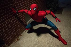 Картинки Человек-паук: Возвращение домой Человек паук герой Герои комиксов Кино