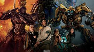 Обои Трансформеры: Последний рыцарь Воители Марк Уолберг Робот Мечи Isabela Moner, Laura Haddock, Anthony Hopkins, Optimus Prime Фильмы Знаменитости Девушки