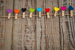 Обои День святого Валентина Прищепки Сердце Доски