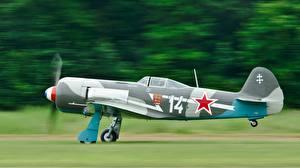 Фотографии Самолеты Сбоку Российские Yak-11 Авиация