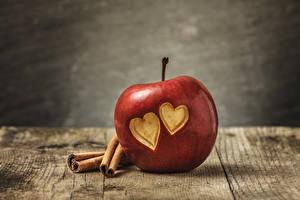 Фото Яблоки День всех влюблённых Сердечко