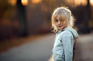 Обои Блондинка Девочки Взгляд Дети картинки