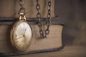 Картинки Часы Карманные часы Цепи Книга