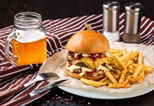 Фотографии Гамбургер Пиво Картофель фри Быстрое питание