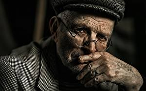 Картинка Старик Лицо Очки Взгляд