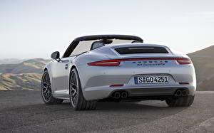 Картинка Порше Сзади Кабриолета Белая 911 Carrera 4 GTS Автомобили