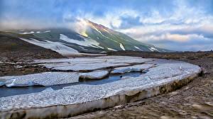 Картинка Россия Камчатка Горы Лед Города