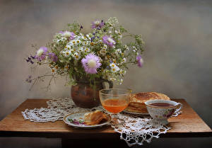 Картинки Натюрморт Букет Ромашки Блины Чай Мед Вазы Чашке Бокалы Еда