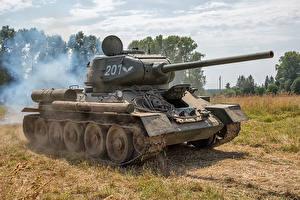 Фотографии Танки Т-34 Российские Армия
