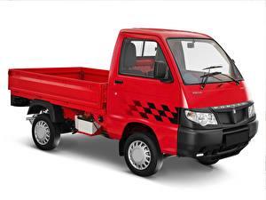 Обои Грузовики Красных Белый фон Piaggio Porter 700 авто