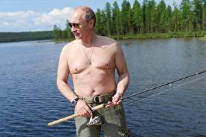 Картинки Владимир Путин Мужчины Ловля рыбы Очки