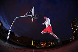 Картинки Баскетбол Мужчины Прыжок Ночные