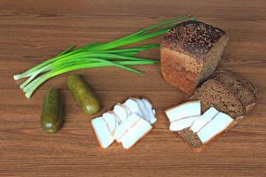 Обои Хлеб Огурцы Сало