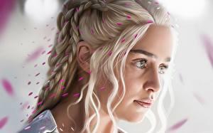 Обои Игра престолов (телесериал) Дейенерис Таргариен Emilia Clarke Блондинка Лицо Коса Знаменитости Девушки