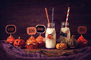 Картинки Праздники Хеллоуин Тыква Молоко Пирожное Капкейк кекс Бутылка Продукты питания