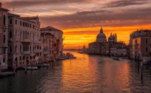 Фотография Италия Вечер Венеция Водный канал Города