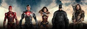 Фотография Лига справедливости 2017 Чудо-женщина герой Галь Гадот Флэш герои Бэтмен герой Jason Momoa (Aquaman), Ray Fisher (Cyborg) Кино Девушки