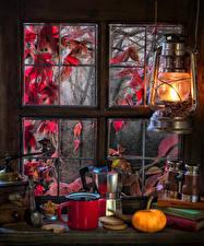 Картинка Керосиновая лампа Тыква Чай Печенье Окно Кружка Ложка Книга Еда