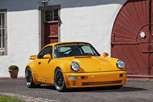 Фотографии Porsche Желтый Металлик 2017 DP Motorsport DP964 Project Yellow Автомобили