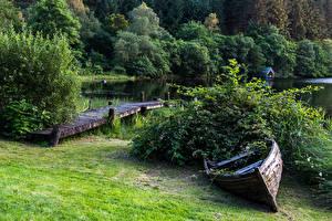 Фотографии Шотландия Озеро Берег Лодки Причалы Кусты Loch Ard Природа