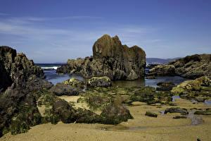 Картинки Испания Берег Камень Мох Утес Ribeira Galicia