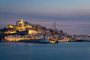 Фото Испания Здания Пирсы Вечер Маяки Dalt Vila Ibiza Города