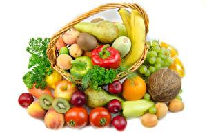 Фотография Овощи Фрукты Томаты Кокосы Груши Яблоки Абрикос Виноград Киви Белый фон Корзина