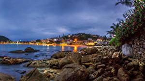 Обои Бразилия Дома Побережье Вечер Камни Bombinhas Santa Catarina Города