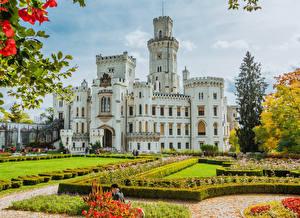 Обои Чехия Замки Газон Кусты Дизайн Hluboka Castle Города