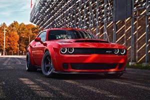 Фотографии Dodge Красные Металлик 2018 Challenger SRT Demon авто