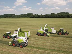 Обои Поля Сельскохозяйственная техника Трактор Claas Arion 640 Claas Jaguar 860 Claas Jaguar 950 Claas Axion 840