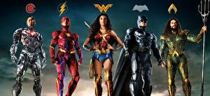 Обои Лига справедливости 2017 Чудо-женщина герой Галь Гадот Бен Аффлек Флэш герои Бэтмен герой Jason Momoa (Aquaman), Ray Fisher (Cyborg) Кино Девушки