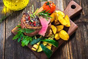 Картинка Мясные продукты Картофель фри Овощи Доски Разделочная доска
