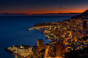 Картинка Монако Монте-Карло Дома Небоскребы Заливы Ночью Saint-Roman Города