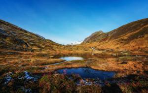 Обои Норвегия Горы Осень Озеро Трава Sulitjelma Природа