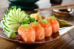 Обои Морепродукты Суши Овощи Доски Пища