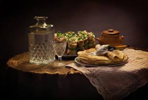 Картинки Натюрморт Блины Водка Рюмка Бутылка Пища