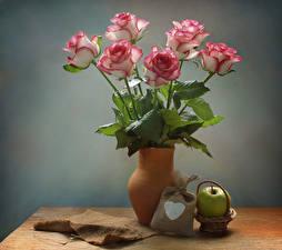 Картинка Натюрморт Розы Яблоки Ваза Сердечко Цветы
