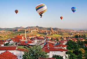 Картинки Турция Здания Воздушный шар Холмов Kapadokya город