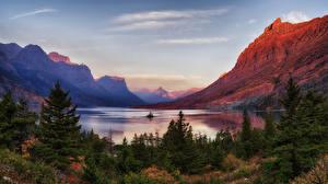 Фотографии Штаты Парк Горы Озеро Ели Glacier National Park Природа